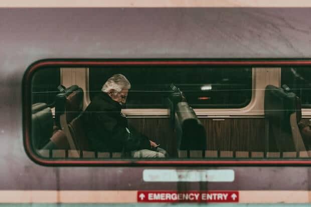 Boston - USA - Mann schläft im Zug