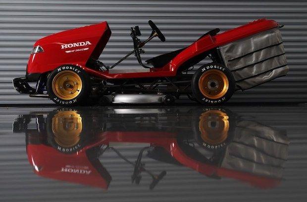 Honda Mean Mower V2 Seitenansicht