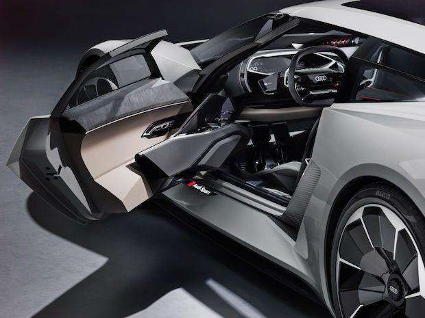 Audi PB18 e-tron Innenraum