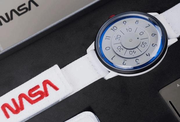 NASA Uhr