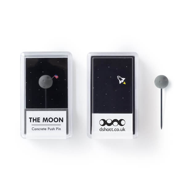 "Planet Pins ""The Moon"""