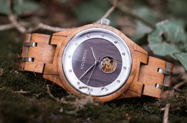 Holzkern Uhr aus Märchen Kollektion