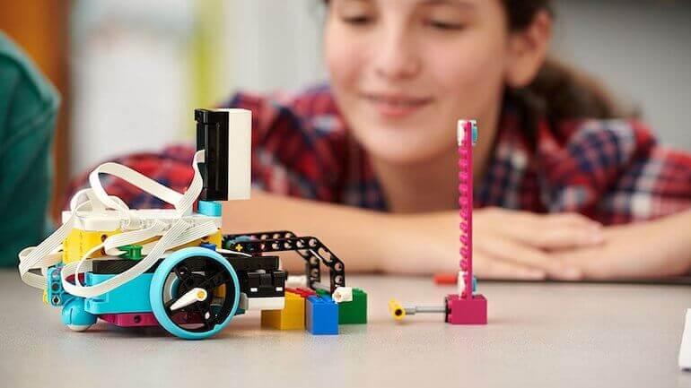 Lego Spike Prime Roboterauto