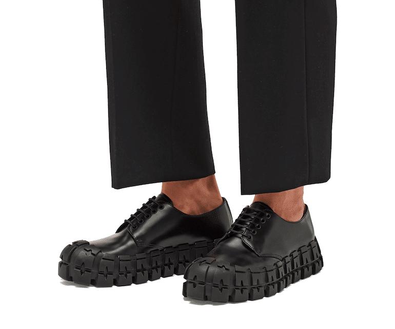 Prada Derby Schuhe in Schwarz