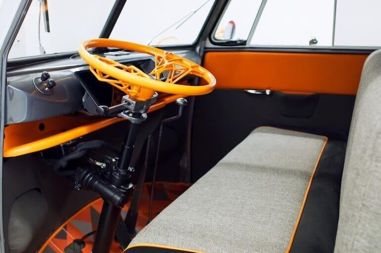 VW Type 20 E-Bulli Innenraum