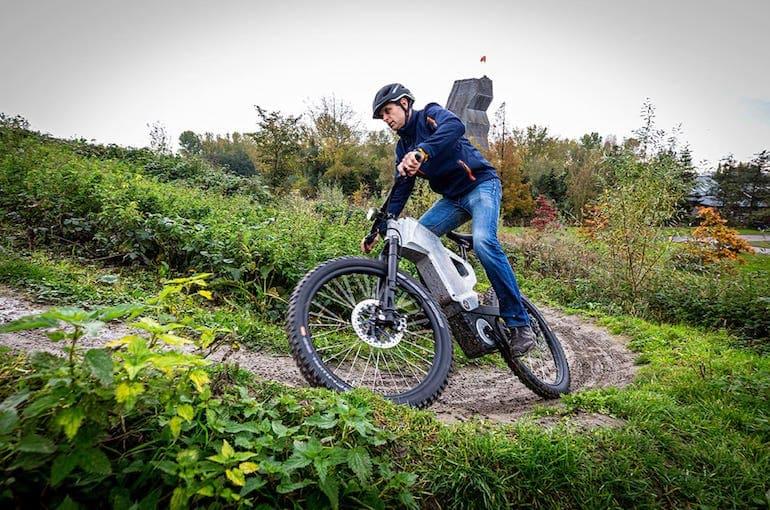 Trefecta RDR ABS E-Bike im Gelände