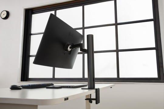 LG UltraFine Ergo Display