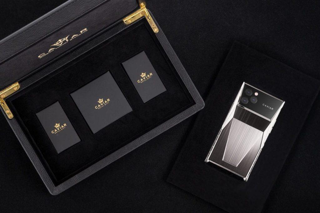 Caviar Cyberphone - Verpackung und iPhone