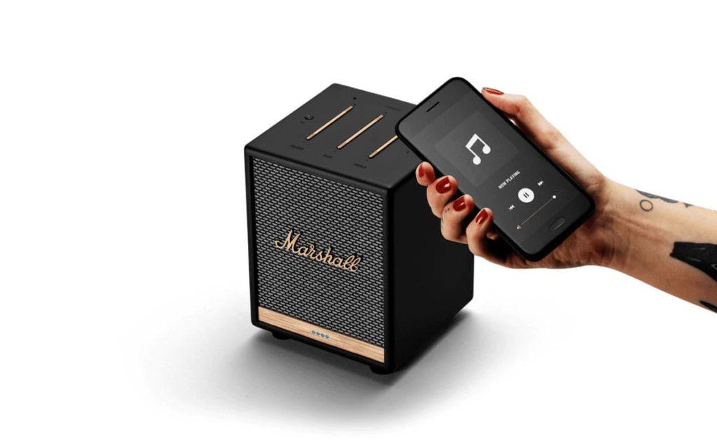 Uxbridge Voice Lautsprecher und Smartphone App