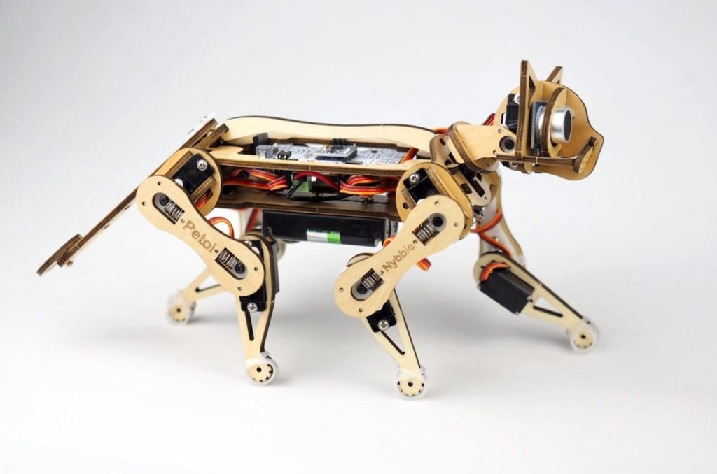 Nybble Roboter von Petoi