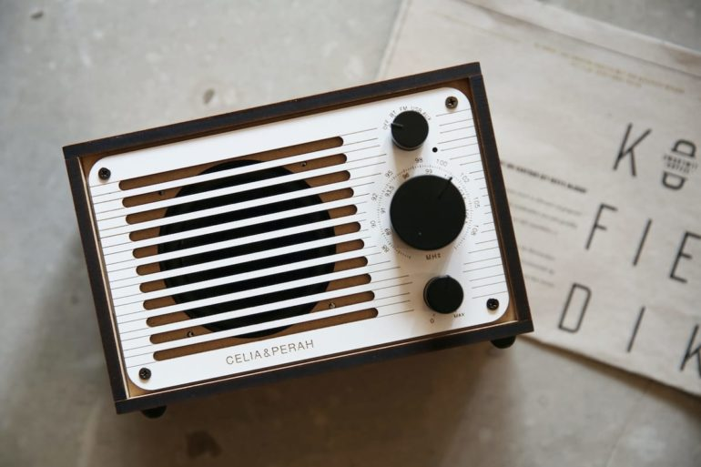 R1 DIY Bluetooth Radio