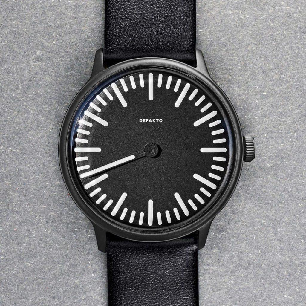 DEFAKTO Meta Standard Einzeiger-Uhr