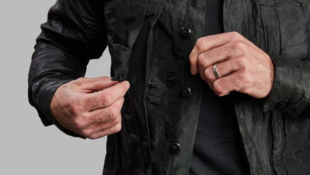 Seitentasche der Indestructible Jacke
