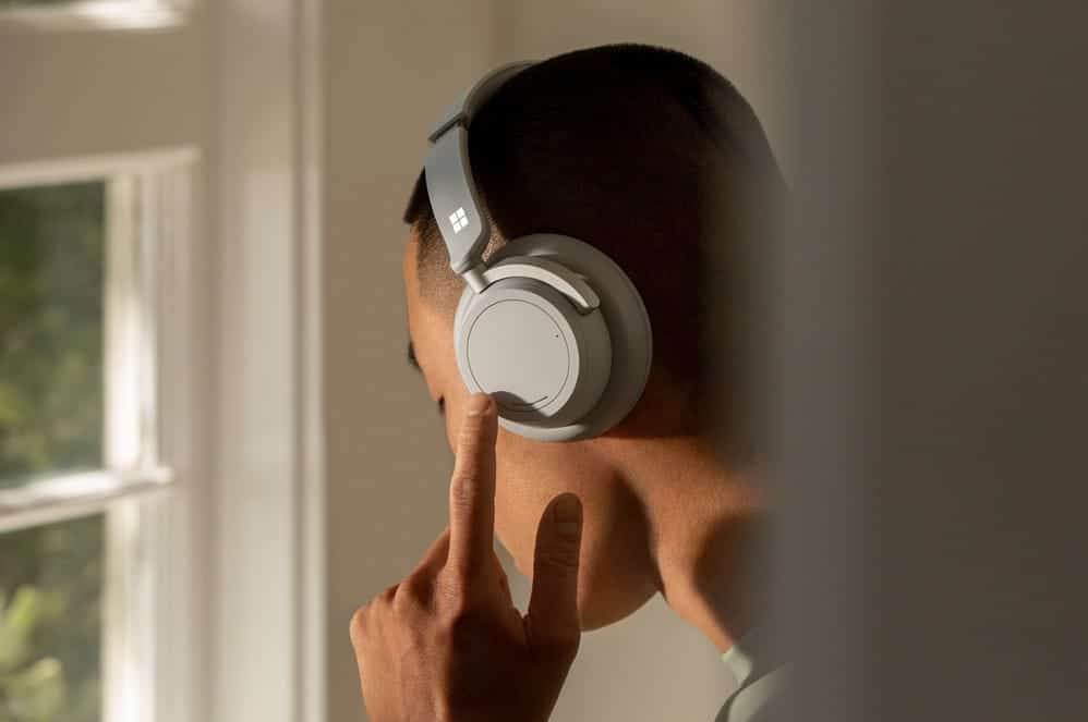 Microsoft Surface Headphones 2 in Grau