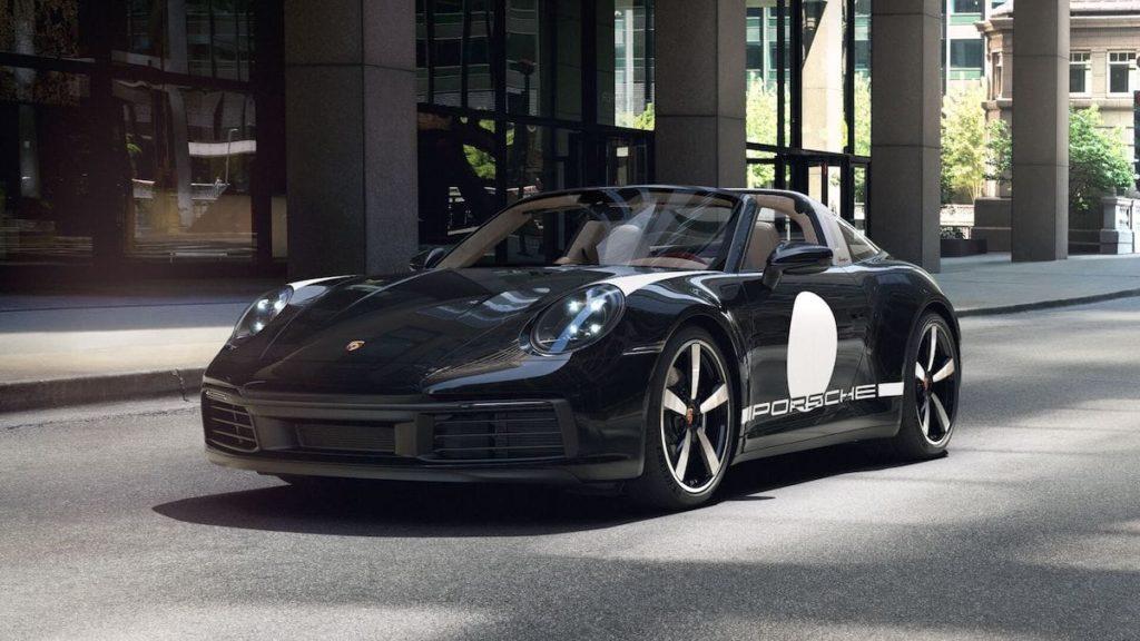 911 Targa 4S Heritage Design Edition in Schwarz