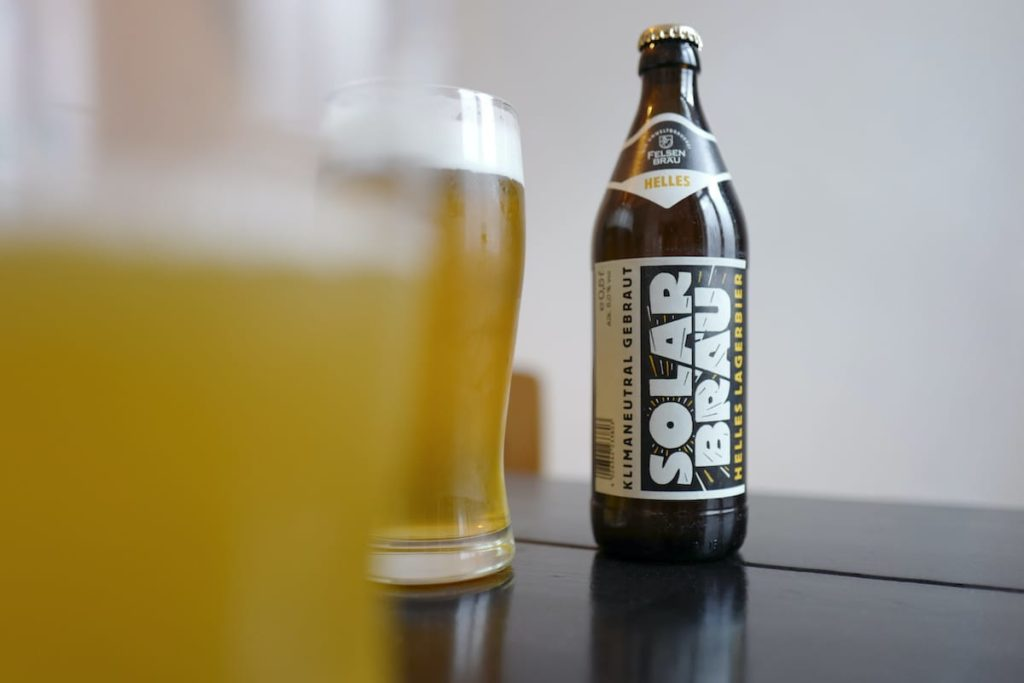 Das klimaneutrale Solarbräu Helles Bier