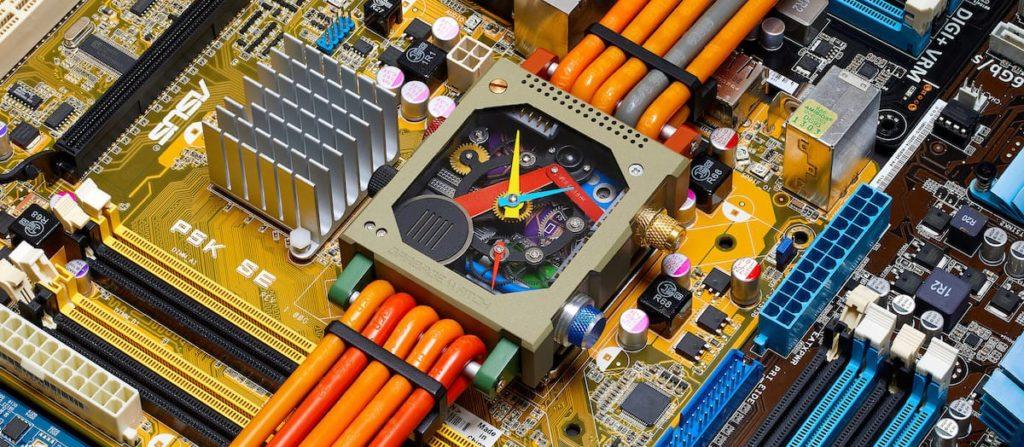 Garbage Watch aus Elektroschrott