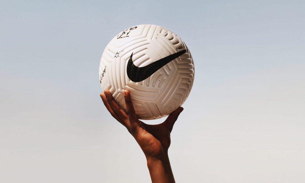 Revolutionäre Nike Flight Fussball