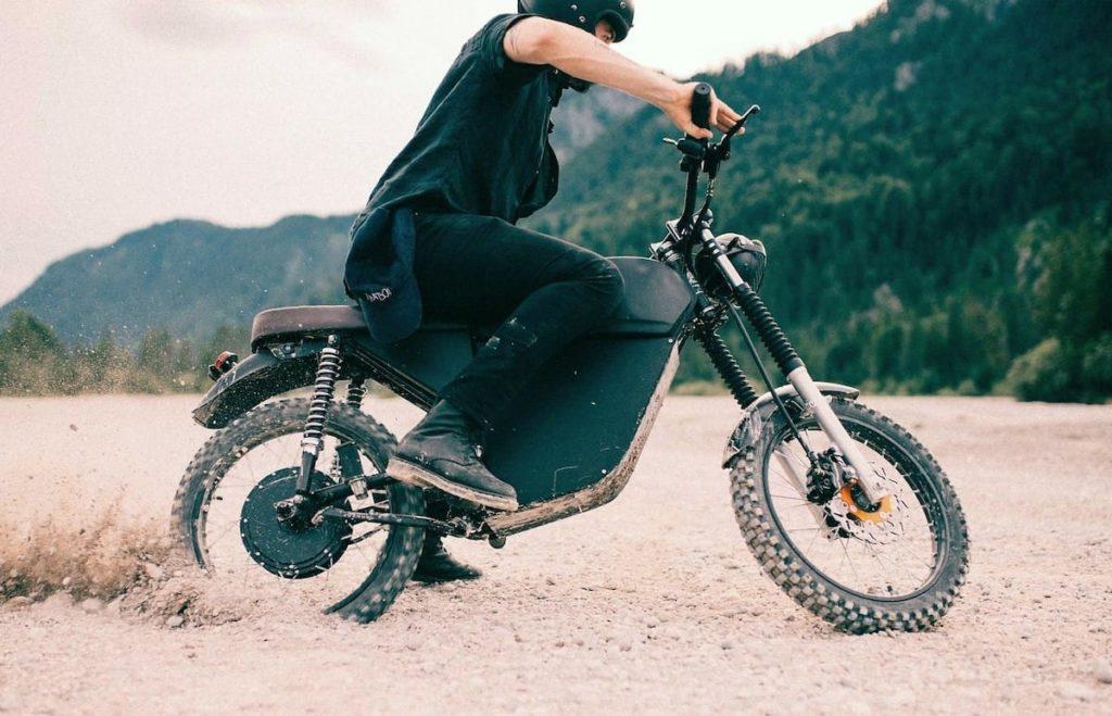 Elektro-Motorrad von Blacktea Motorbikes