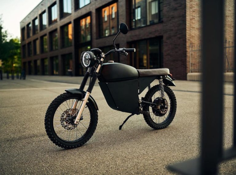 Blacktea Motorbikes Moped