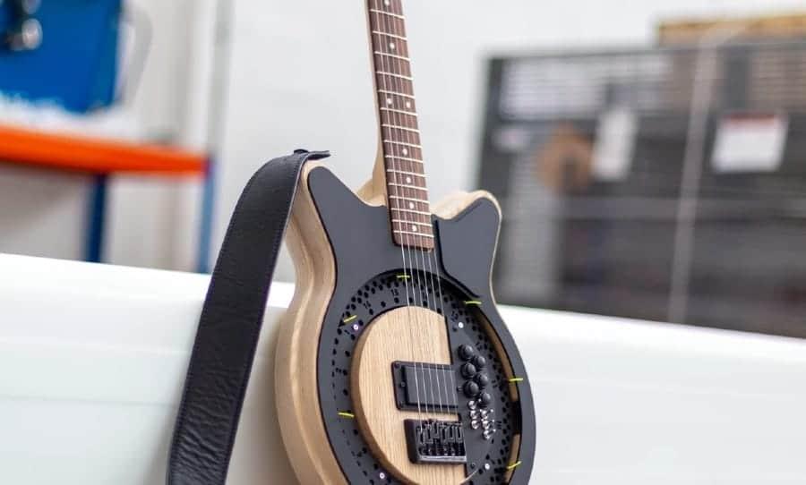 Circle Guitar von Anthoy Dickens