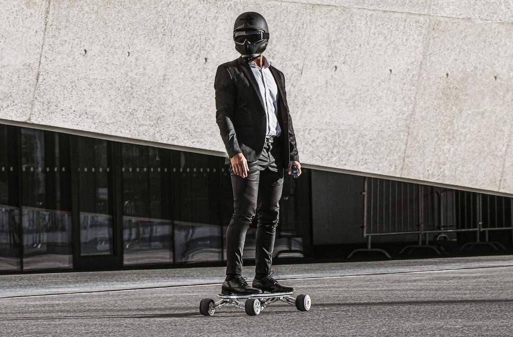 Hunter Board E-Skateboard in der Stadt