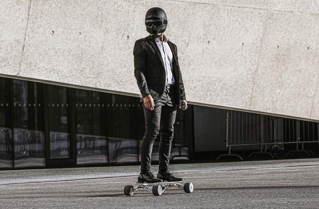 Hunter Board E-Skateboard in der Stadt