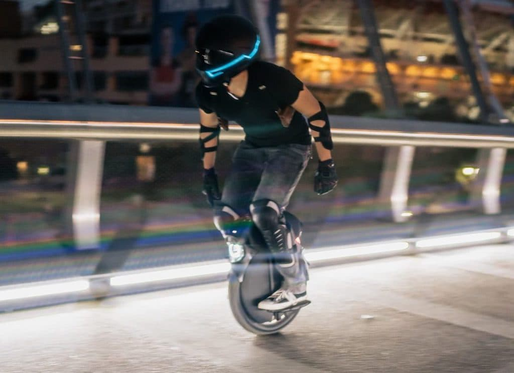 Stadtfahrt mit dem InMotion V11 Electric Unicycle