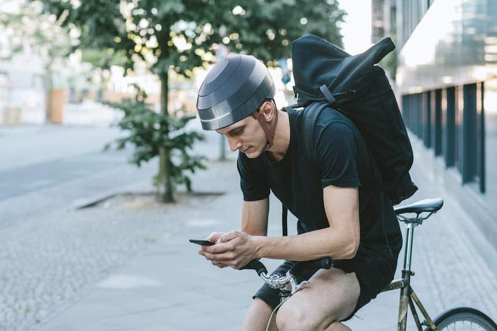 Der smarte Fahrradhelm ESUB Tracks