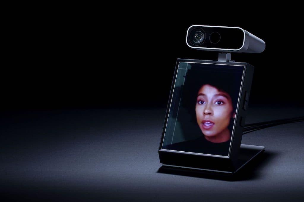 Looking Glass Portrait Device
