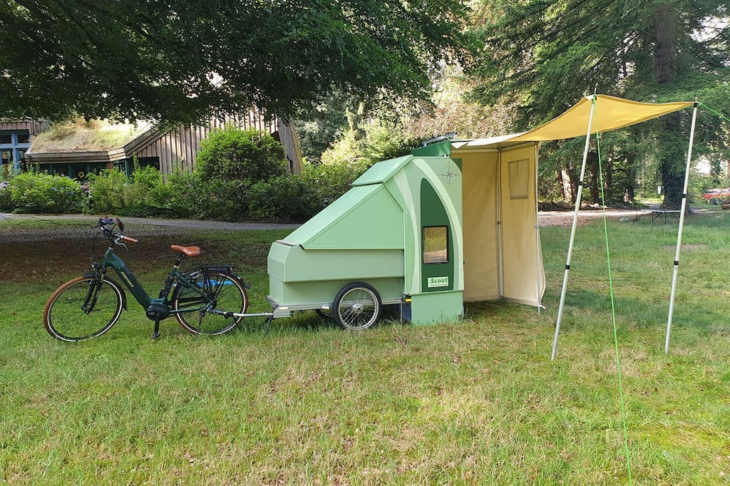 Scout Camper mit Zelt