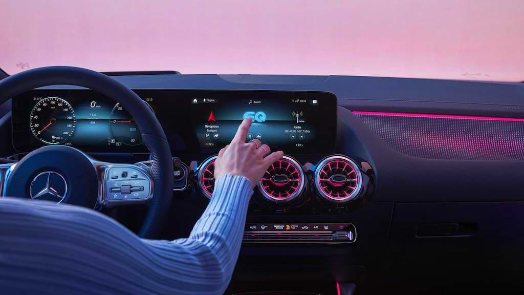 Cockpit des Mercedes EQA 250