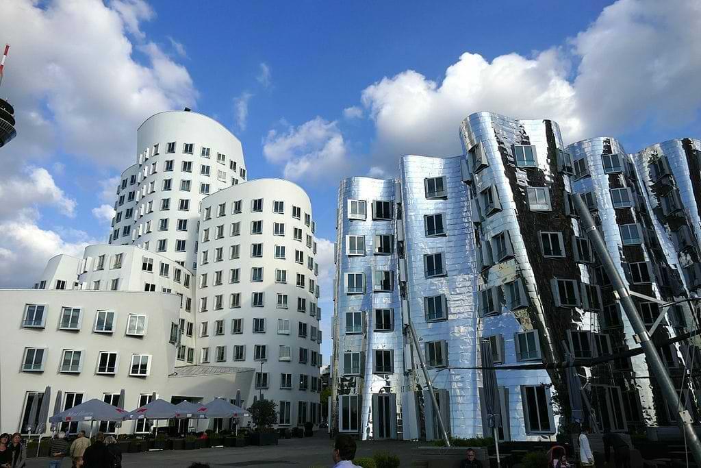 Frank O. Gehry Gebäude im Medienhafen Düsseldorf
