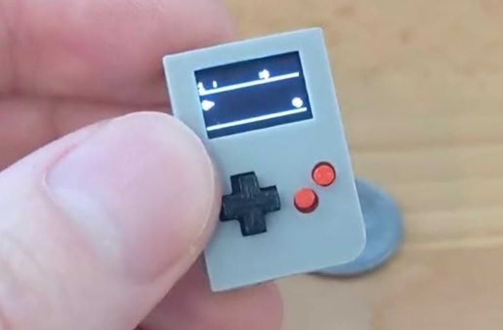 Die Mini-Spielkonsole Arduboy Nano
