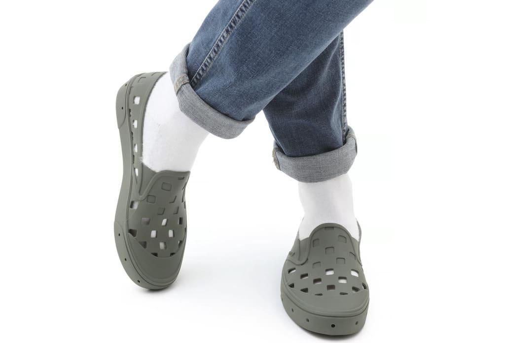 Vans Trek Slip-On in Grape Leaf - Sind weiße Socken ein neuer Trend? Wohl kaum