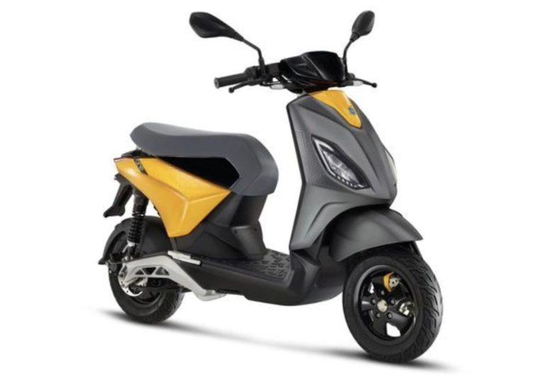 Piaggio ONE E-Roller 2021