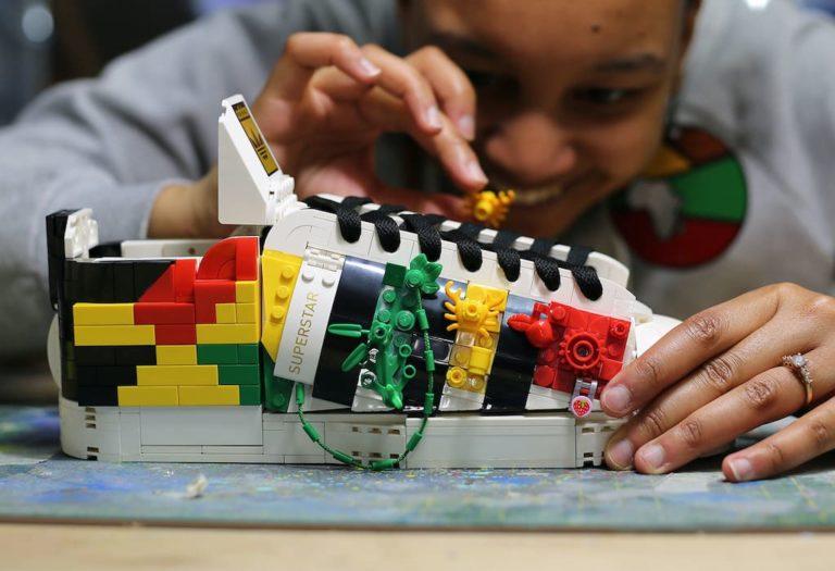 adidas Originals Superstar von Lego