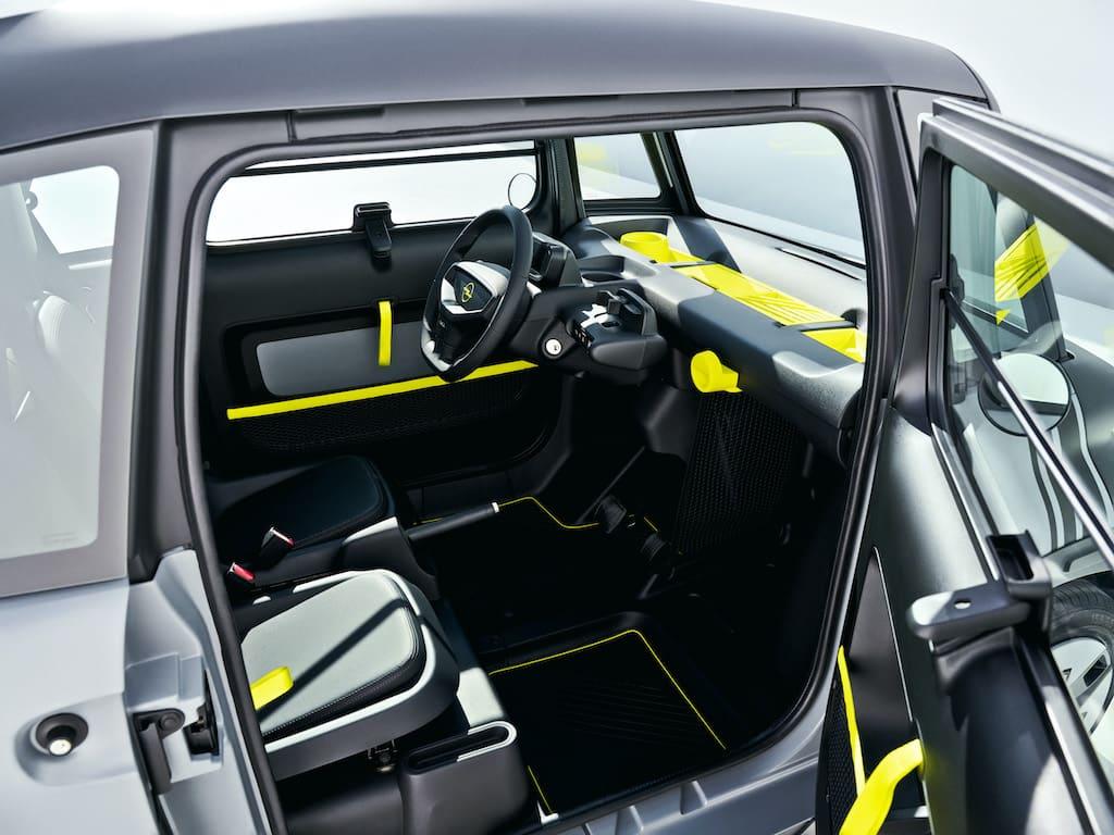 Rocks-e Interior und Cockpit