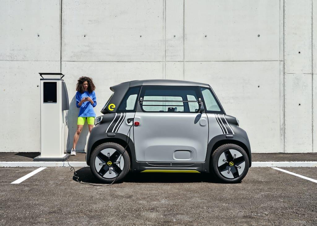 Seitenansicht: Rocks-e Elektro-Auto von Opel