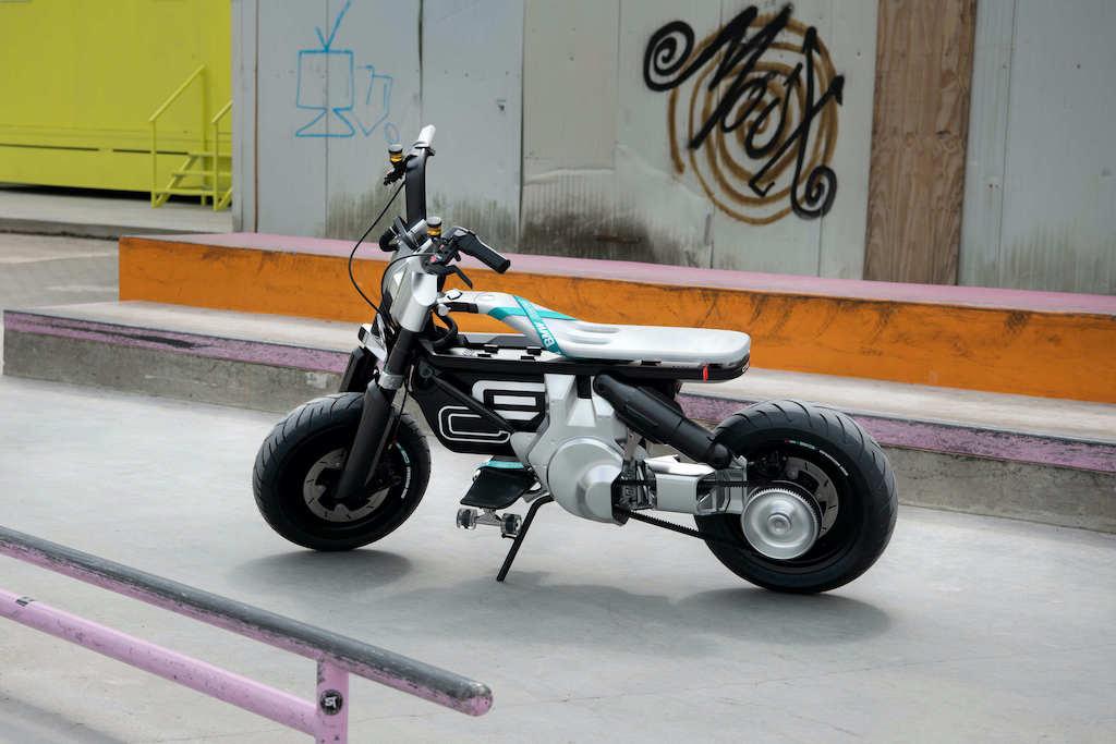 Elektro-Motorrad BMW Concept CE 02